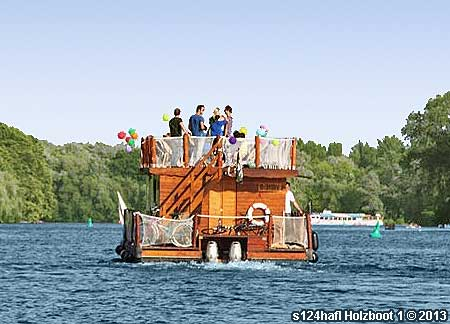 Berlin Oberbaumbrücke Schiff mieten Grillschiff Partyschiff Partyboot Grillboot Floss