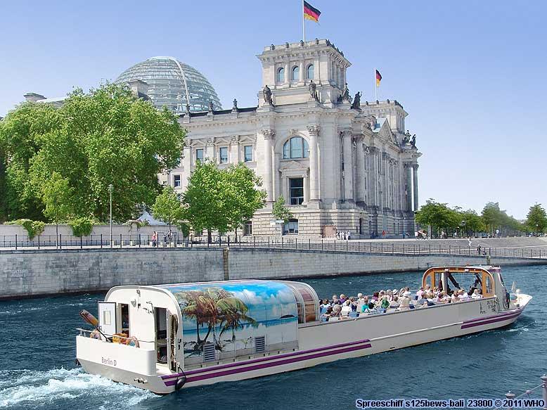 berlin spreefahrt cabrioschiff anlegestelle hackescher markt cabrio dampfer bootsfahrt mb arena. Black Bedroom Furniture Sets. Home Design Ideas
